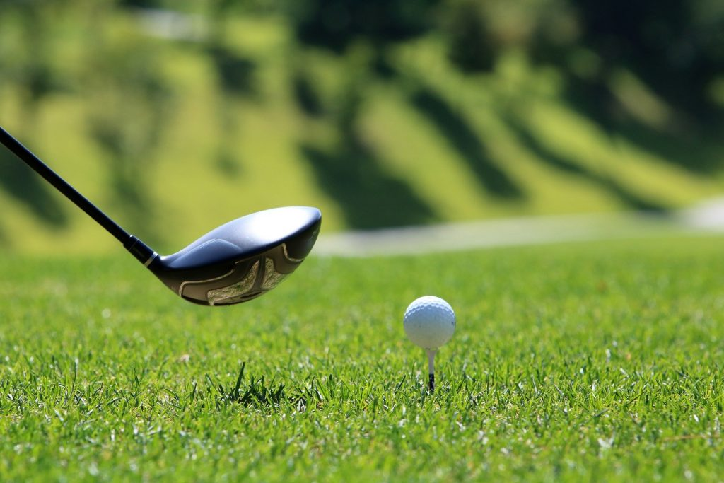 pic of golf ball and club